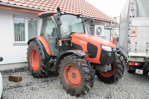KUBOTA M5111 Farm tractor