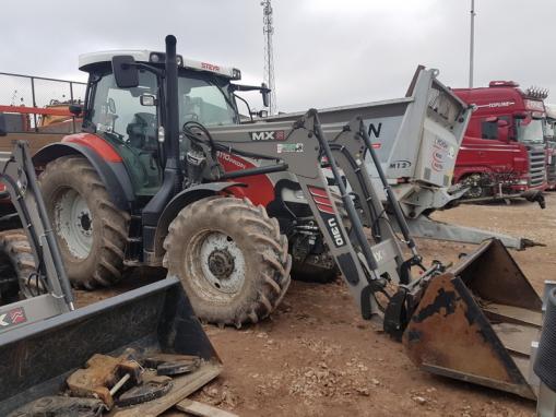 Ciągnik rolniczy STEYR 4110 PROFI + Ładowacz czołowy MX U310